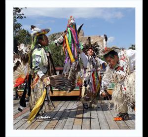 g8-feat--crazyhorse--polaroid--dancing